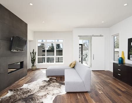Beautiful Interior Shot Modern House With White Relaxing Walls Furniture Technology (1)