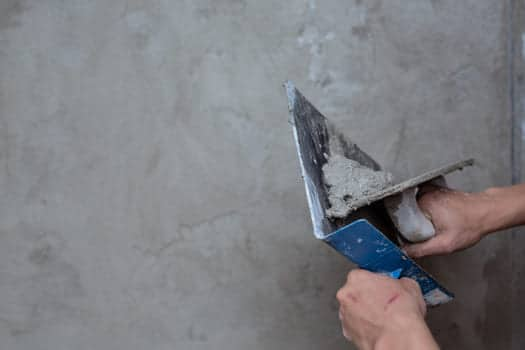 Plasterer Renovating Indoor Walls